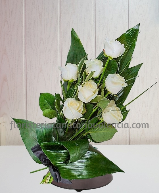Ramo Funerario 7 Rosas Blancas Difuntos Floristería Tanatorio Valencia